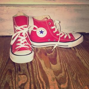 Converse Hi Tops - Red - Size 7